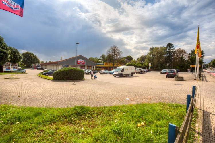 FCR Immobilien AG verkauft Einkaufszentrum in Burgdorf