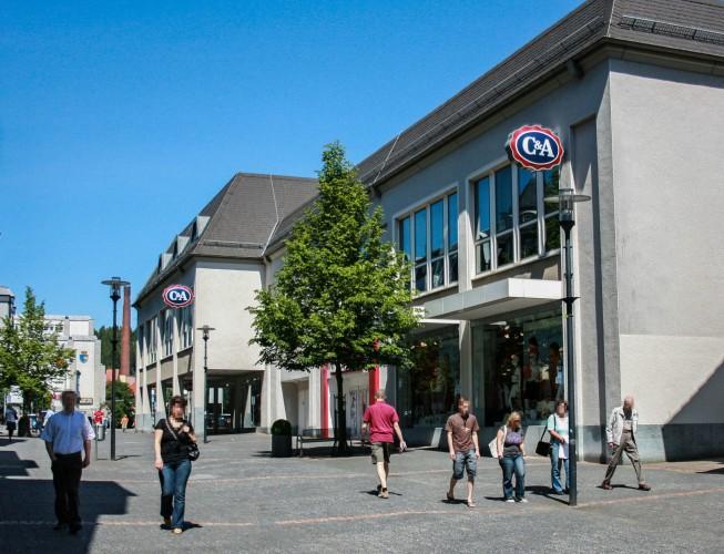 FCR Immobilien AG erwirbt C&A-Kaufhaus in Gummersbach